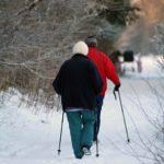 Nordic walking šetří klouby a pomáhá spalovat kalorie