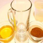 Med a skořice na akné a krásnou pokožku – mohou pomoci?