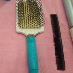 Čím a jak správně si česat vlasy? Čím si je češete vy?