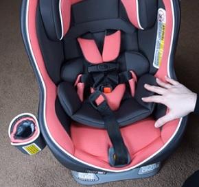 Jak vybrat vhodnou autosedačku pro dítě?