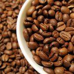 Kofein na celulitidu i na vlasy – jak ho použít?