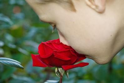 Čištění nosu nosní sprchou - Džala Néti