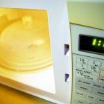 Jídlo z mikrovlnky: Dělá z mužů impotenty?