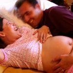 Muž u porodu: Co by měl dělat a čemu se vyhnout?