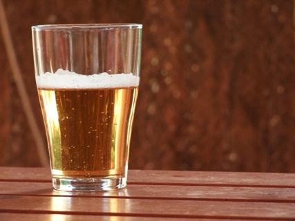 Věděli jste? Pivo s citrónem vzniklo jako nápoj pro cyklisty