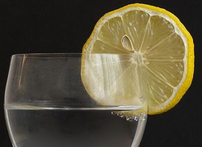Co dokáže citronová šťáva kromě osvěžení?