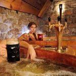 Pivní lázně, koupání ve víně či šampaňském – super pro relaxaci i zdraví