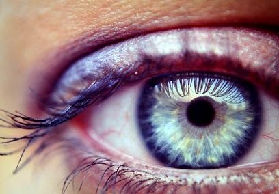 Změna barvy očí