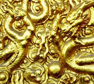 V chirurgii se zlato používá na opravu poškozených cév, nervů, kostí a membrán.