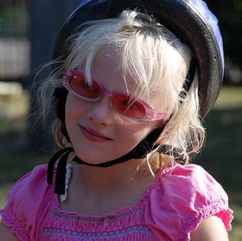 Mohou děti nosit kontaktní čočky?