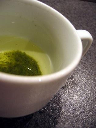 Zelený čaj snižuje krevní tlak.