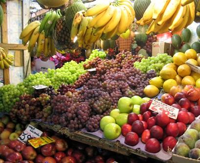 Ovoce a zelenina tvoří základ zdravé stravy a pomáhá zbavit tělo překyselení.