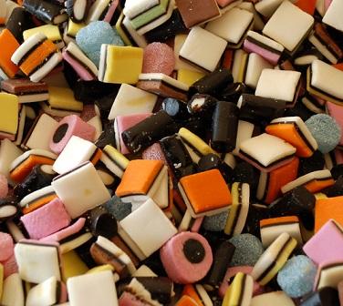 Sušenky, dorty, koláče, limonády, džusy, omáčky obsahují rafinovaný cukr, který může být rakovinotvorný...