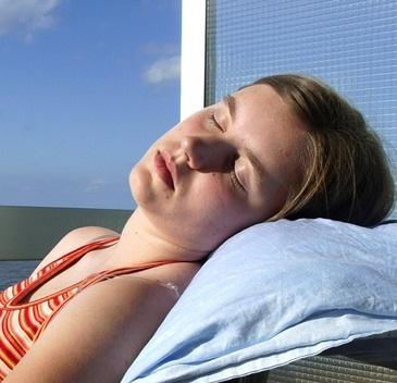 Nedostatek spánku v první řadě zvyšuje riziko srdečně cévních chorob a infarktu.