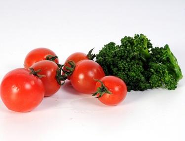 Kombinace rajče + brokolice je superzdravá!