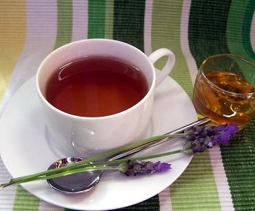 Jak na akné s pomocí bylinek a čajů?