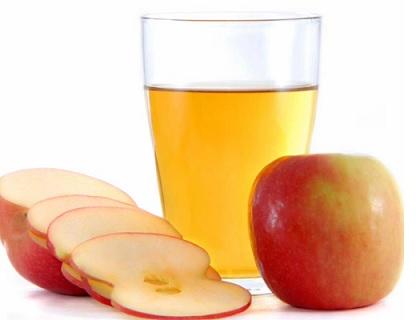 Jablečný ocet tlumí chuť k jídlu, odstraňuje vrásky, přináší klidný spánek