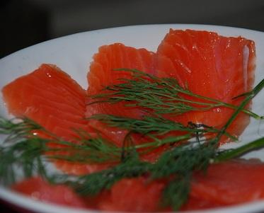 Konzumace hlavně tučných ryb, jako je losos, sleď atd. a to několikrát týdně je u této diety doporučená...