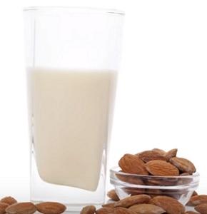 Zkuste si udělat rostlinná mléka dle našich receptů...