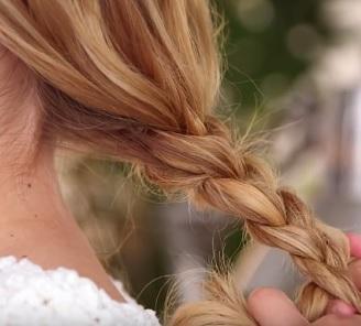 Jak dosáhnout silných vlasů?
