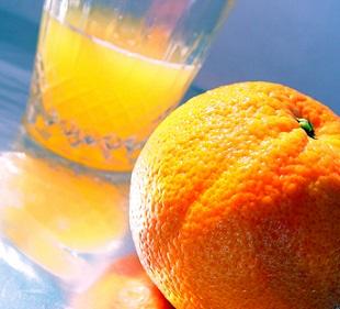 Dobrými zdroji vitamínů jsou ovoce a zelenina...