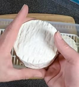 I sýr Camembert je zdrojem chloru pro naše tělo...