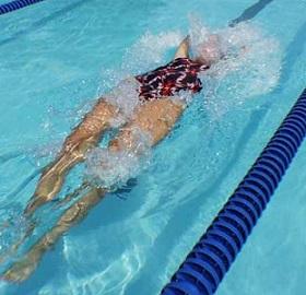 Plavání je velmi univerzální sport pro všechny...