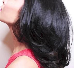 Jak pečovat o suché vlasy?