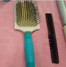 Jak na správné česání vlasů? Záleží také na typu vlasů.