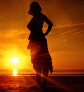 Slunce může vaši pleť nepěkně spálit. Co dělat potom?
