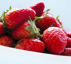 Jak mohou jahody prospět vaší kráse? Tipů máme hned několik.