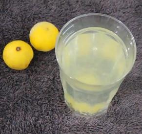 Jaké účinky na vaše zdraví může mít citronová voda? Je jich opravdu mnoho.
