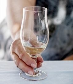Jak bojovat s pachem alkoholu v ústech?