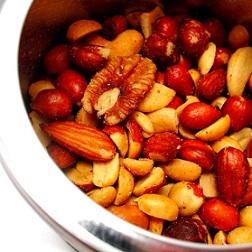 Dejte si ořechy. Jsou zdravé.