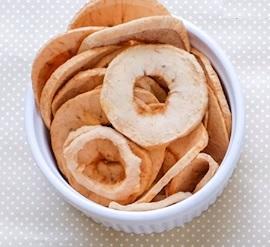 Udělejte si nějakou dobrotu ze sušeného ovoce.