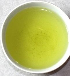 Ze zeleného ječmene si můžete připravit také výborný čaj.