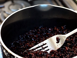 Jaké účinky má černá rýže na naše zdraví?