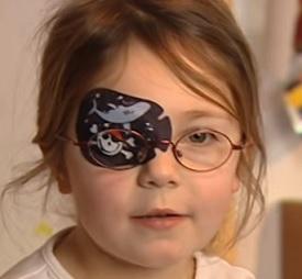 Okluzor je jednou z metod léčby tupozrakosti.