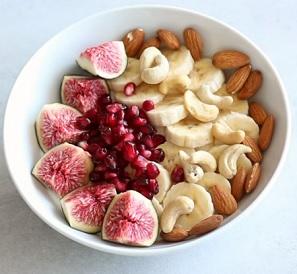 Snídejte. Vaše tělo ráno potřebuje energii.