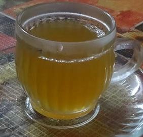 Pravidelné pití zeleného čaje má na zdraví pozitivní účinky.