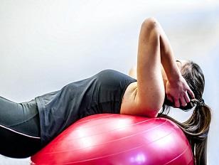 Rekonvalescenční proces spojený s rehabilitačními cvičeními neztrácí na důležitosti v žádném věku.