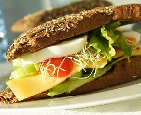 Máme pro vás 10 rad a tipů pro zdravý a vyvážený jídelníček.