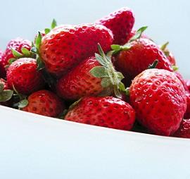 Jahody se doporučují jíst i pro krásné vlasy a pleť.