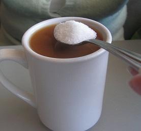 Přečtěte si zajímavosti o cukru. Možná vám pak ale trošku zhořkne v ústech. Často to není pěkné čtení.