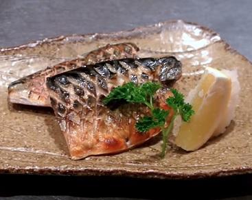 Maso z makrely obsahuje mnoho omega 3 mastných kyselin.