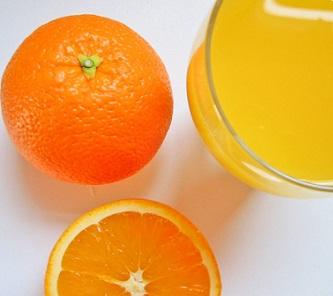 Ovocné džusy? Obsahují často jen málo z ovoce, ale za to hodně cukru a konzervantů.