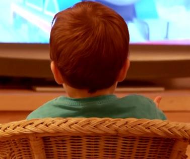 Berte koukání dětí na televizi rozumně.