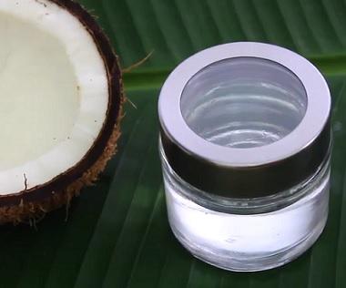 Je kokosový olej nebezpečný? Úplně tomu nevěřte. Přečtěte si náš článek.