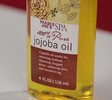 Jojobový olej má mnoho (někdy i docela překvapivé) způsobů použití.