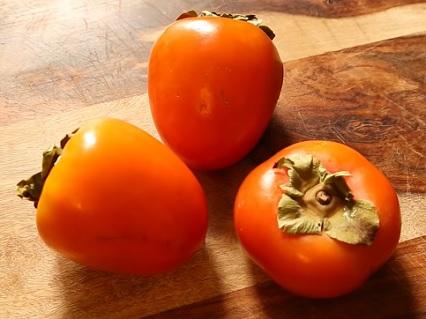 Ačkoli jsou plody kaki relativně malé co do velikosti, jsou zároveň doslova nabité až působivým množstvím živin.